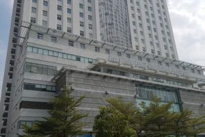 Tiết lộ sốc vụ 'hotgirl' đất Cảng nhảy từ tầng 17 bệnh viện tử vong