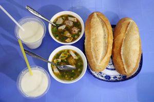 Bánh mì xíu mại nửa thế kỷ, đánh thức buổi sáng người Đà Lạt