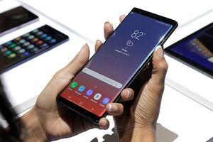 Nhiều smartphone cao cấp rớt giá vì iPhone Xs Max