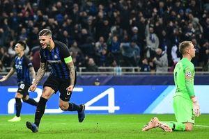 Bị cầm chân trên đất Ý, Barcelona vẫn giành quyền vào vòng knock-out
