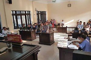 Sơ thẩm vụ 'lừa đảo chiếm đoạt tài sản' ở Bắc Ninh: Nhận tiền 'bảo kê' xe quá tải là chuyện 'giúp đỡ' tài xế