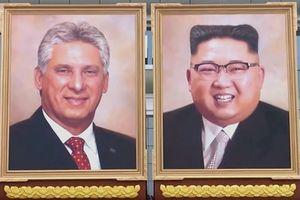 Triều Tiên lần đầu trưng bày tranh chân dung ông Kim Jong-un