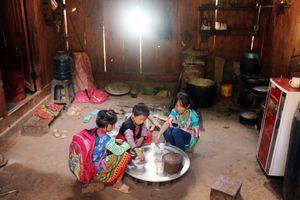 Sơn La: 97,6% hộ dân ở Yên Châu đã được sử dụng điện lưới quốc gia