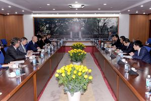 Thứ trưởng Bộ Tài chính Trần Xuân Hà tiếp và làm việc với đoàn công tác Hà Lan