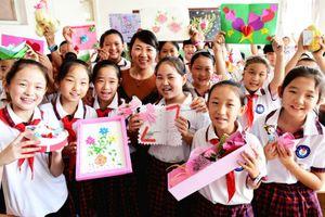 'Mách' bí kíp mua quà tặng thầy cô 20.11 sang trọng, ý nghĩa chỉ từ 300.000 đồng
