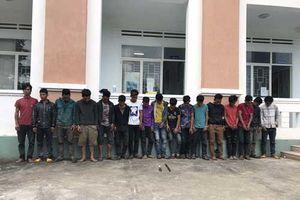 Khởi tố nhóm trai làng 'phóng dao' khiến hai người thương vong