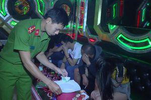 Khởi tố chủ quán karaoke chứa hàng chục thanh niên sử dụng ma túy