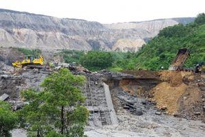 Đoàn kiểm tra Bộ TN&MT: Yêu cầu Cty Khoáng sản Bắc Giang dừng khai thác dưới chân các vị trí gây mất an toàn