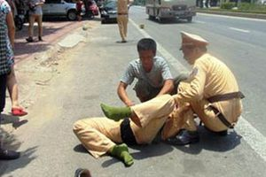 Bắt đối tượng tông xe vào Cảnh sát giao thông