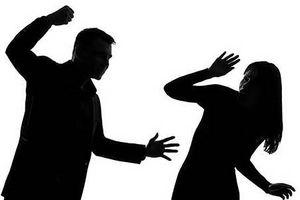 Thư ký tòa bị hành hung khi đi tống đạt giấy triệu tập ly hôn