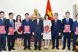 Trao hàng loạt quyết định nhân sự chủ chốt Bộ Ngoại giao