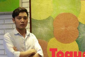 Chàng trai trẻ 'mặc' áo mới cho lá sen, đưa nón Việt đi ra thế giới