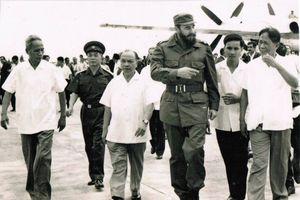 Những khuôn hình hiếm hoi trong 3 chuyến viếng thăm của lãnh tụ Cuba tới Việt Nam