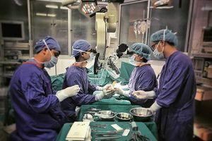 Nhiều bệnh nhân bị cụt ngón tay cái được phẫu thuật chuyển ngón chân lên để thay thế