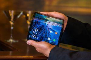 Chi tiết smartphone màn hình gập đầu tiên vừa ra mắt