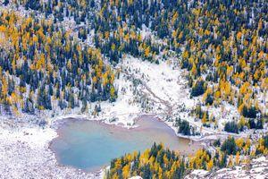 Mãn nhãn với quang cảnh mùa thu thế giới nhìn từ trên cao