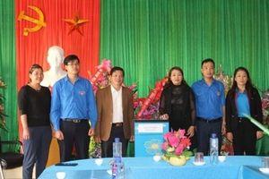 Chi đoàn hai cơ quan LĐLĐ tỉnh Sơn La và LĐLĐ tỉnh Điện Biên hỗ trợ máy lọc nước cho 4 trường ở huyện Vân Hồ