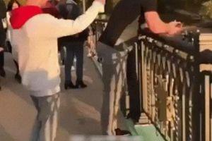 Đắng lòng khi troll nhầm thanh niên đang 'thất tình' trên cầu