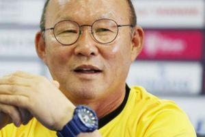 Trợ lý của HLV Park Hang-seo gặp sự cố dở khóc, dở cười