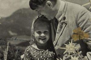 Bức ảnh gây sốc chưa từng thấy của trùm phát xít Hitler