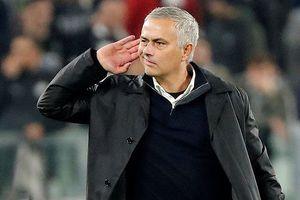 Chế nhạo CĐV, Mourinho suýt bị tẩn trên sân Juve