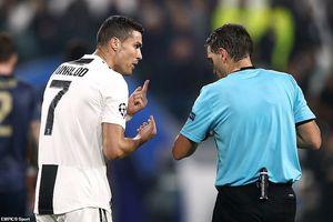 Ronaldo nói Juventus 'dâng tặng' chiến thắng cho M.U