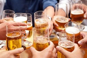 Luật Phòng chống tác hại của rượu bia: Lợi ích doanh nghiệp hay sức khỏe người dân?