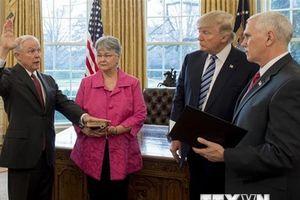 Các nghị sỹ Dân chủ chỉ trích quyết định cách chức Bộ trưởng Tư pháp