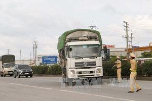 Tước trên 660 giấy phép lái xe cố tình chở quá tải