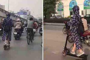 Clip: Màn lái scooter cực điêu luyện của 'nữ Ninja' trên phố Hà Nội