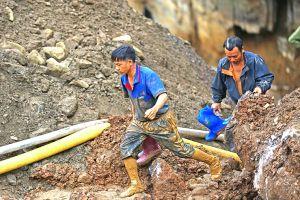Lãnh đạo địa phương than 'bó tay' với cứu nạn hai phu vàng