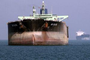 Quan chức Mỹ tiết lộ cách tàu chở dầu Iran né lệnh trừng phạt