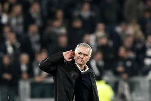 Mourinho rực rỡ ở Turin, hóa ra chỉ là sự rực rỡ của ngọn đèn sắp tắt