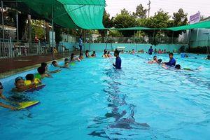 Long An: Chỉ 30% trẻ em lứa tuổi tiểu học và trung học cơ sở biết bơi