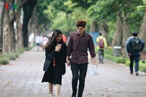 Ảnh hưởng không khí lạnh, Hà Nội mưa, nền nhiệt 18 độ C