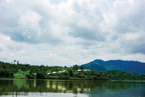 Thong thả dạo chơi ở hồ Lắk
