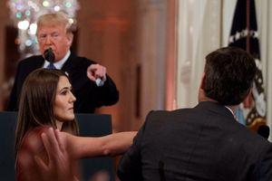 Nhà Trắng đăng video chỉnh sửa vụ Trump cãi tay đôi phóng viên CNN