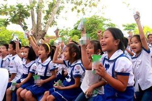 Nghệ An: Chương trình 'Sữa học đường' bị tạm dừng, hàng trăm nghìn học sinh 'khát' sữa