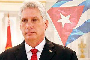 Chủ tịch Cuba đã đến Hà Nội, thăm hữu nghị chính thức Việt Nam