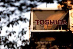Kinh doanh thua lỗ liên tục, Toshiba thẳng tay sa thải 7.000 nhân viên