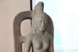 Khen thưởng người phát hiện và giao nộp tượng nữ thần trị giá 7,5 tỉ đồng