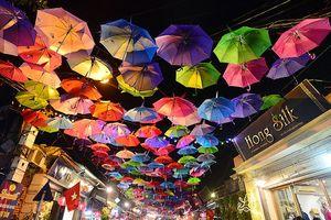 Rực rỡ sắc màu tại tuần lễ văn hóa làng nghề Vạn Phúc Hà Nội