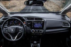 Giá bán chỉ hơn 500 triệu đồng, Honda Jazz sở hữu tính năng gì?
