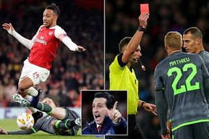 Arsenal, Chelsea dắt tay nhau vượt Europa League