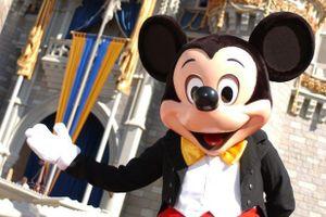 Lễ hội 'Giáng sinh nhiệm màu' với chuột Mickey của Walt Disney lần đầu tổ chức tại VN