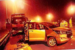 Những 'điểm mù' vụ lùi xe trên đường cao tốc cần được Tòa án tối cao làm rõ?
