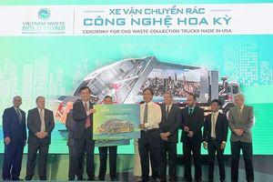 VWS tặng xe vận chuyển rác thân thiện môi trường