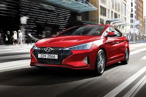 Hyundai Elantra Sport 2019 cải tiến thể thao hơn