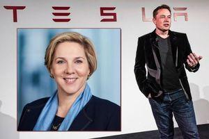 Nữ tướng Robyn Denholm thay Elon Musk làm chủ tịch Tesla