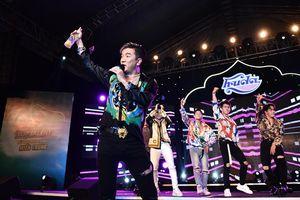 HLV Hà Hồ, Mr. Đàm biểu diễn sung tại Huda Central's Top Talent
